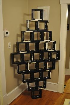 vhsart.blogspot.com Make furniture from old VHS tapes.