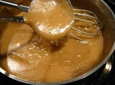 Basic Gravy (W/O Pan Drippings) I adapted this recipe from THE JOY OF COOKING and have been making it for more years than I care to remember. Its fast and easy. fast and easy enough to be able to make a batch in the middle of dinner b/c folks scar Molho Gravy, Sauce Recipes, Cooking Recipes, Easy Recipes, Recipes Dinner, Beef Recipes, Healthy Recipes, Brownie Recipes, How To Make Gravy
