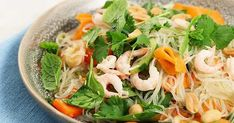 Nudelsallad med räkor Something Sweet, Japchae, Noodles, Nom Nom, Seafood, Salads, Favorite Recipes, Pasta, Lunch