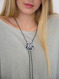 c550e6499e5a Collar de cuero para mujeres collar de lazo lazo negro