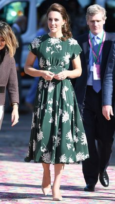 Fresh from a weekend of celebrations for Pippa's wedding in Bucklebury, the Duchess of Cambridge returned to duties today, joining the Quee...