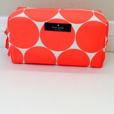 ❤️ Kate Spade ❤️ make up bag ❤️ Kate Spade ❤️ make up bag. New, never used. Just adding 2 clarins product, that I had extra - Hydra Quench cream mask & Beauty Flash Balm  Price is firm kate spade Makeup