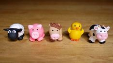 Handmade Farm Animal Cake Toppers by CheekiLili on Etsy Farm Animal Cakes, Farm Animal Party, Animal Cupcakes, Farm Party, Farm Animals, Fondant Toppers, Fondant Cakes, Cupcake Cakes, Decors Pate A Sucre