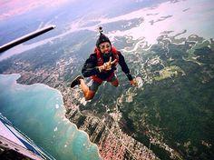 """""""Um motivo para saltar melhor do que a diversão e o prazer ?? Venha você também... @pedrosganzerlla #skydivesalvadoritaparica #skydive #skydiving…"""""""