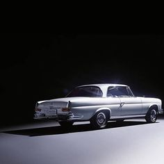 1965 Mercedes-Benz 250 SE Coupé. Photo by @staudstudios (by: mercedesbenz )