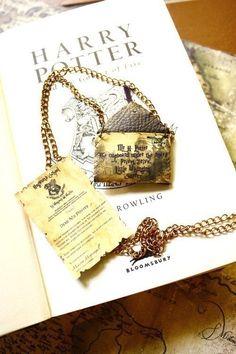 Customisable Hogwarts letter  necklace - Harry Potter SALE