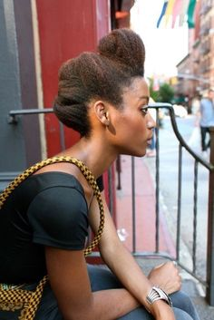 If you are looking for cool, stylish yet simple new latest hairstyles for kinky hair, then just try out these short hairstyles with fun kinky twists to crea Updo Cabello Natural, Pelo Natural, Natural Hair Updo, Natural Hair Care, Natural Hair Styles, Natural Black Hairstyles, Soft Updo, Natural Beauty, African Hairstyles