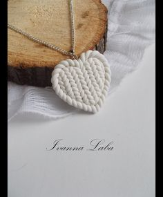 Wintry chain with knitted pendant, chain with heart / heart shaped neck . - Wintry chain with knitted pendant, Kette mit Herz / heart shaped necklace with knitted heart made b - Fimo Clay, Polymer Clay Projects, Polymer Clay Charms, Polymer Clay Creations, Polymer Clay Earrings, Clay Crafts, Knitted Heart, Clay Ornaments, Diy Jewelry Making