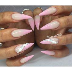 Pink ombré#stilettonails #ombrenails #MargaritasNailz #gelnails #nailart #nailfashion #ombre #pink #longnails #nailswag #hairandnailfashion #fashion #stilettos #hudabeauty #vetro #vetrogel #teamvalentino #summernails #nailaddict #nailsoftheday #nailsofinstagram #naildesign #nailstagram #nailprodigy #nail #nailpro #nailpromagazine #nailedit #instanails