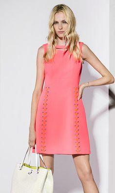 Karen Millen Spring | Summer 2016 - Pink lace-up dress