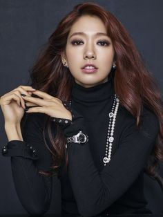 Actress Park Shin-hye recently did photo shoots for jewelry brand Swarovski to promote its 2016 fall-winter collection. The brand said that Park is its new model. Park Shin Hye, Korean Actresses, Korean Actors, Actors & Actresses, Korean Beauty, Asian Beauty, L Kpop, Flower Boy Next Door, Chica Fantasy
