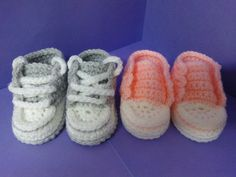 How to crochet My easy new born baby converse style slippers p4 with his...