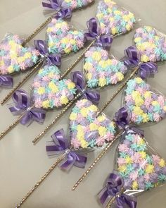 Meringue Kisses, Meringue Cookies, Yummy Cookies, Sugar Cookies, Cake Decorating Tips, Cookie Decorating, Elegant Cake Pops, Lollipop Recipe, Candy Decorations
