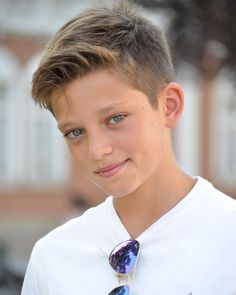 corte de cabello para niños Popular Boys Haircuts, Tween Boy Haircuts, Teenage Boy Hairstyles, Biy Haircuts, Boy Haircuts Short, Toddler Boy Haircuts, Little Boy Haircuts, Boys Long Hairstyles, Haircuts For Men