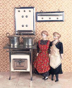 Antique dollhouse dolls circa 1910