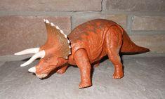Jurassic World roarivores TRICERATOPS Figure grand objet New BOXED