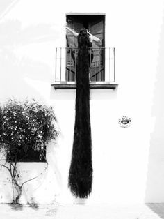 Ruven Afanador  from his series Mil Besos; The real Rapunzel.....