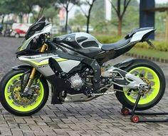 Yamaha Sport, Yamaha Motorcycles, Yamaha Yzf R1, Motorcycle Design, Motorcycle Bike, Bike Design, Moto Car, Custom Sport Bikes, Super Bikes
