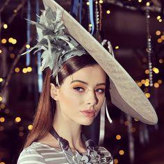 #belfastfw #fashionweek #statementlook #springsummer #fashiontrends #grainnemaher