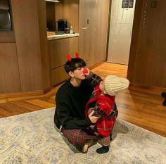 Read especial navidad: sanghun 🎄🎁 from the story mi sepsi novio coreano 💕🌝- by teelchan (teel chan) with reads. Cute Asian Babies, Korean Babies, Asian Kids, Cute Babies, Dad Baby, Baby Kids, Baby Boy, Ulzzang Kids, Ulzzang Couple