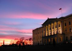 The Royal Palace Oslo........Norway ........  Plus, Register for the RMR4 International.info Product Line Showcase Webinar Broadcast at:www.rmr4international.info/500_tasty_diabetic_recipes.htm    ......................................      Don't miss our webinar!❤........