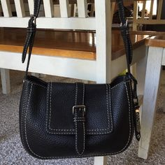 COLE HAAN Leather Crossbody Purse, Nice! Gorgeous, black leather, Cole Haan, cross body purse. Magnetic closure. Inside slip pocket for phone and other items. Key ring inside as well. Purses in excellent condition. Cole Haan Bags Crossbody Bags