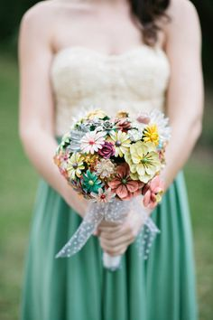 Brooch bouquet ~ DIY by the bride! Photography by Jessica Lorren