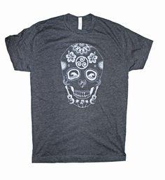 Sugar Skull Hawaii Style Men's Screen Printed T by stickyrainbows Hawaii Style, Diy For Men, Skull Shirts, Great T Shirts, Well Dressed Men, Shirt Designs, Mens Fashion, Sugar Skull, Mens Tops