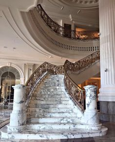 Stairs luxury modern grand staircase New Ideas Architecture Design, Beautiful Architecture, Classical Architecture, Grand Staircase, Staircase Design, Marble Staircase, Luxury Staircase, Staircase Ideas, Dream Mansion