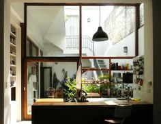 Image 12 of 20 from gallery of Casa Vlady: House Refurbishment / BVW Arquitectos. Photograph by Lula Bauer / BVW Arquitectos Patio Interior, Interior Modern, Home Interior, Interior Architecture, Interior And Exterior, Interior Decorating, Decorating Ideas, Interior Windows, Decor Ideas