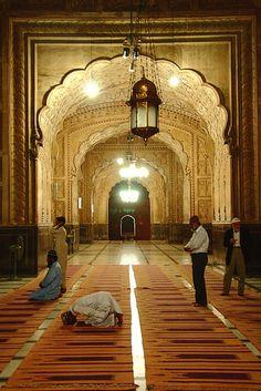 Badshahi Mosque, Lahore, Pakistan., via Flickr.