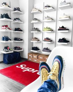 Sneaker Regale & Aufbewahrung DIY sneaker storage consisting of the Ikea lacquer shelf in white. Shoe Wall, Shoe Room, Shoe Closet, Sneaker Storage, Shoe Storage, Storage Ideas, Sneaker Regal, Ikea Lack Regal, Hypebeast Room