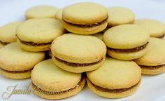 Fursecuri cu unt – reteta video via @JamilaCuisine Apple Recipes, Cookie Recipes, Romanian Desserts, Christmas Sugar Cookies, Cake Videos, Sandwich Cookies, Biscuit Recipe, Macarons, Bakery