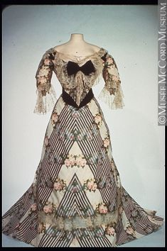 Evening dress House of Worth About 1900, 19th century or 20th century M19804.1-2 © McCord Museum