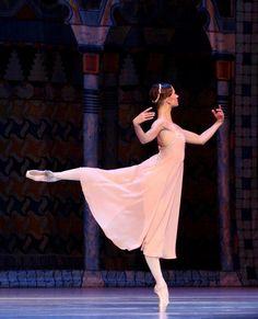 Alexandra Timofeyeva in Le Corsaire. Photo by Valeria Komissarova