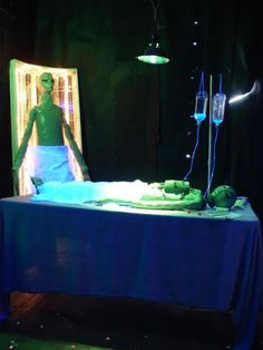 1000 images about alien haunt ideas on pinterest area for Alien decoration