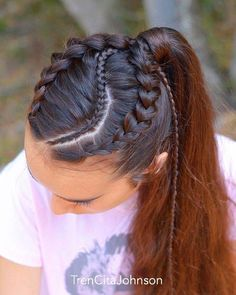 All styles of box braids to sublimate her hair afro On long box braids, everything is allowed! For fans of all kinds of buns, Afro braids in XXL bun bun work as well as the low glamorous bun Zoe Kravitz. French Braid Hairstyles, Box Braids Hairstyles, African Hairstyles, Girl Hairstyles, Hairstyles Videos, Hairstyles 2018, Pretty Hairstyles, Sporty Hairstyles, Trending Hairstyles