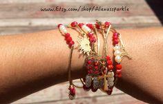 Pearl and Red Beaded Bracelet Set with gold plated charms - Semanario pulseras de piedritas de perla y rojas con dijes de chapa de oro
