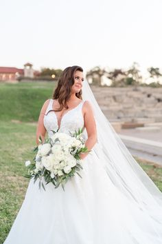 Louis-based florist for weddings, corporate, special and nonprofit events on Sisters Floral Design Studio… Bridesmaid Bouquet, Wedding Bouquets, Bridesmaids, Wedding Flowers, Wedding Dresses, Rose Photos, All White, Floral Design, Sisters