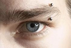 Eyebrow piercings are probably the most common among facial piercings. Find out … Eyebrow piercings are probably the most common among facial piercings. Find out what you should know about eyebrow piercings before you get one. Daith Piercing, Eyebrow Piercing Men, Eyebrow Ring, Piercing Tattoo, Body Piercing, Eyebrow Cut, Eyebrow Tinting, Eyebrow Growth, Piercings Corps