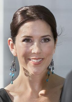 Mary's distinctive earrings | Billedbladet