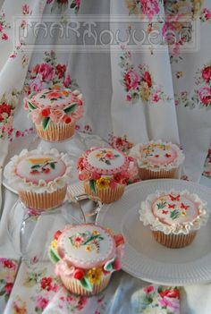 Victorial Garden Cupcake  ~ hand painted