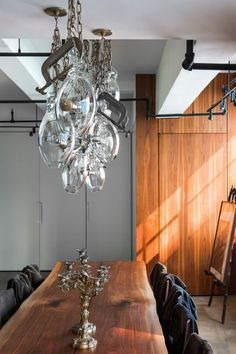 House tour: an industrial loft renovation in New York: The loft's design, by P&T Interiors, balances historical elements — preserving its pre-war industrial atmosphere — with all the comforts of a contemporary home.