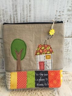 I have made some new pouches the last days - finally :) Some of them will be in the shop  today, the others will go to my next show next...