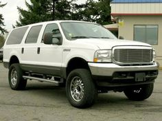 Lifted SUV: 2004 Ford Excursion XLT — $16995