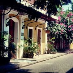 Palais de mahe #pondicherry Image by @Amala9 Use #MyPYpic to have your pics featured by us.