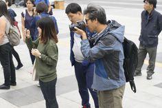 3조 답사. 작품을 카메라에 담고 계신 시민발굴단의 모습입니다.  #시민발굴단 #공공미술 #시민발굴단 3조 #공공미술시민발굴단