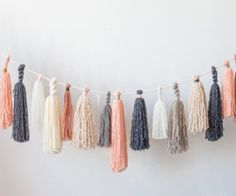 12 Ridiculously Simple DIY Yarn Crafts