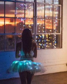 "6,771 mentions J'aime, 12 commentaires - Ballet Zaida (@balletzaida) sur Instagram: ""In collaboration with @quixoticfusion / Dancer @maggie_a95 / #ballerina #Tutu #Lights #LeD #Dance…"""