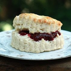 The Nesting Project: Easy Buttermilk Scones